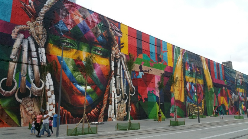 Large Graffiti by Artist Kobra - Credit Beatriz Garcia